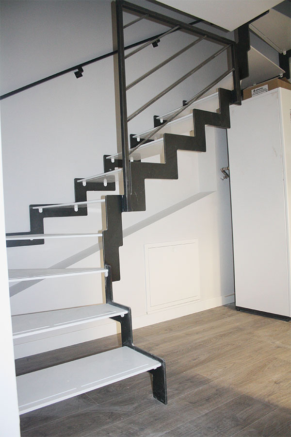 how much is the cost of a metal and wooden design stair