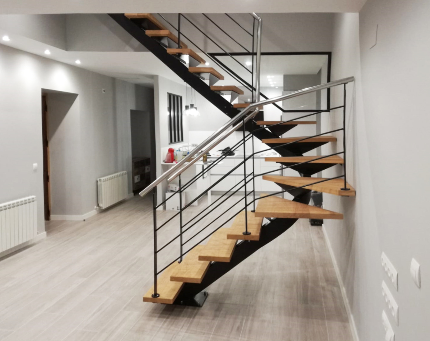 Escalera modelo urdax de zanca central helicoidal - Precio escaleras interiores ...