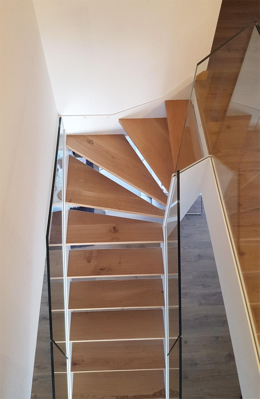 Escalera modelo l niz escalera de doble zanca con - Barandillas de seguridad para escaleras ...