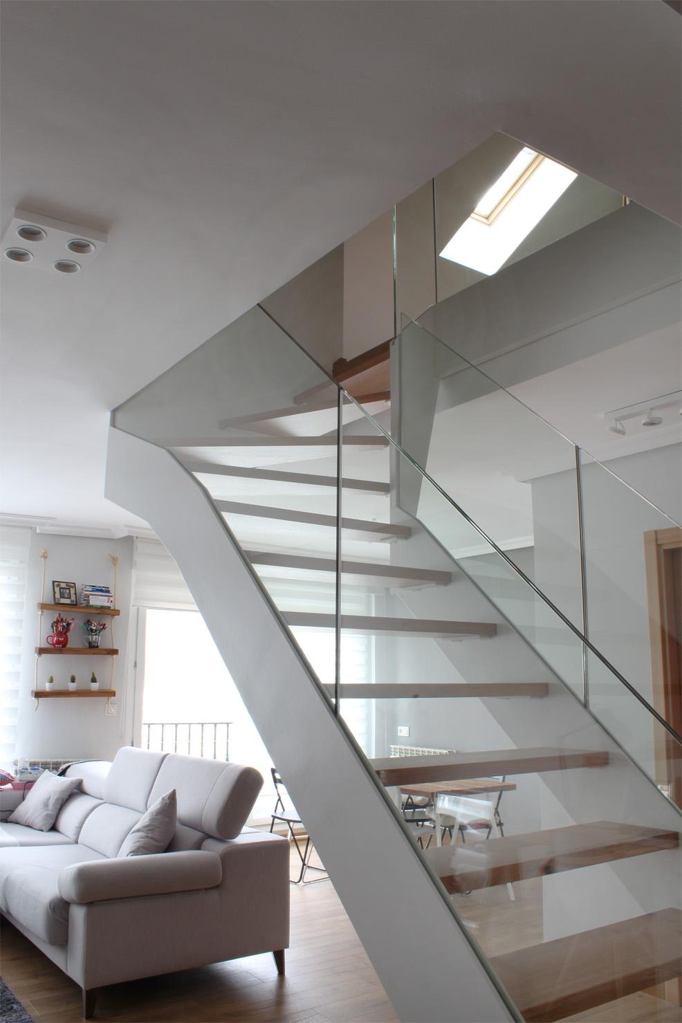 Escalera modelo l niz escalera de doble zanca con for Escalera metalica en l